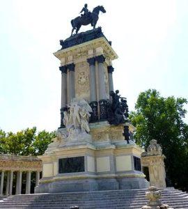 Памятник королю Альфонсо XII