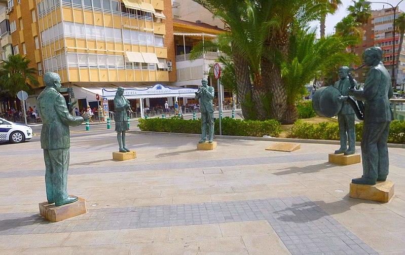 Памятник музыкантам