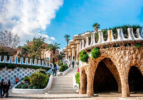 Топ-10 отличных экскурсий в Барселоне для туристов и гостей города