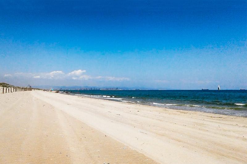 Пляж Девеса